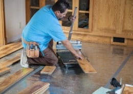 Laminate cutting with the laminate cutter