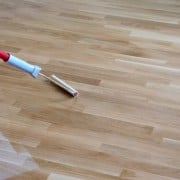 Oil or varnish parquet - Which is better?