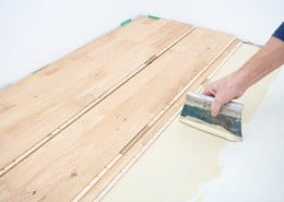 Glue parquet with parquet adhesive