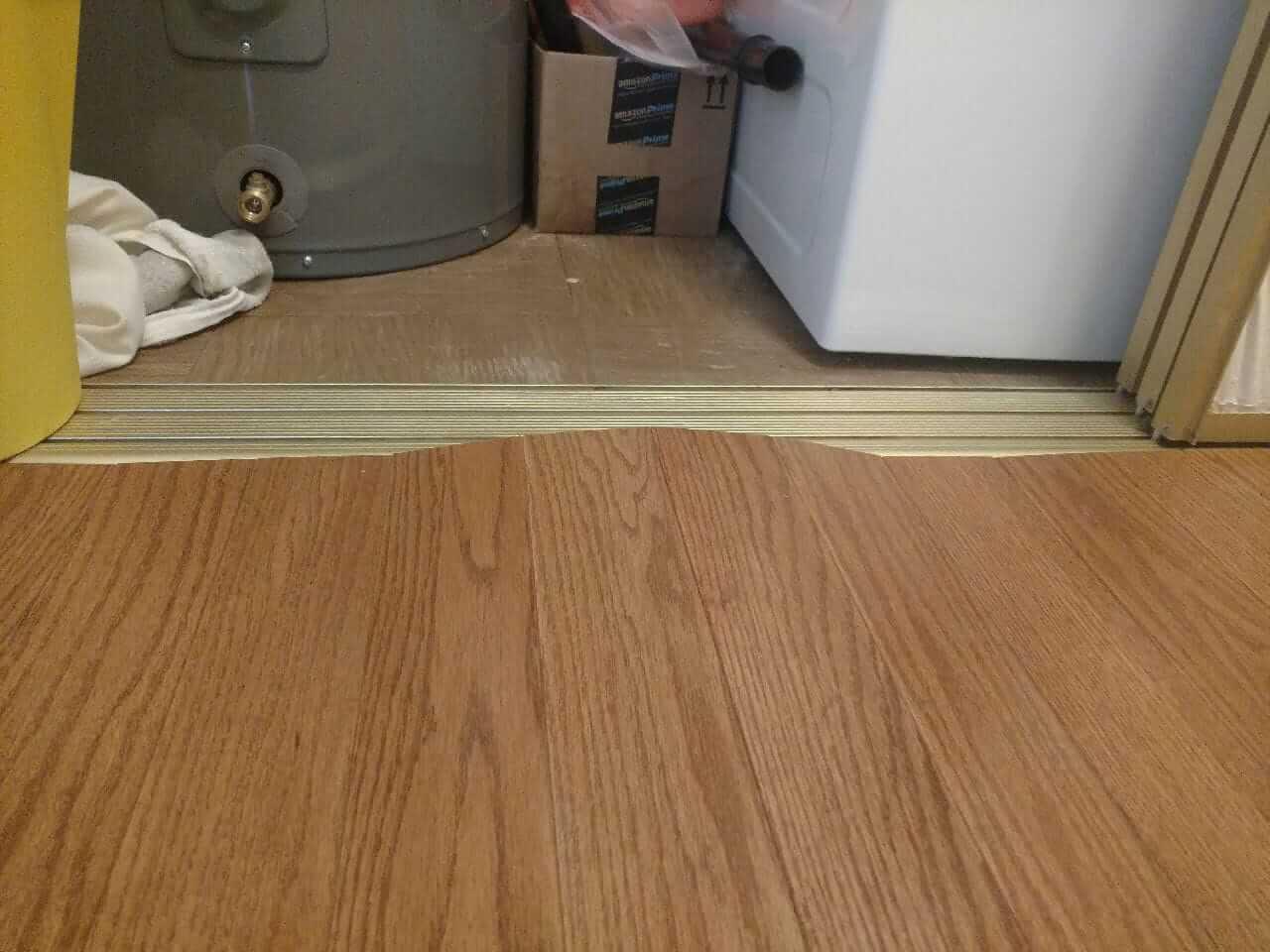Floating vinyl floor piles up