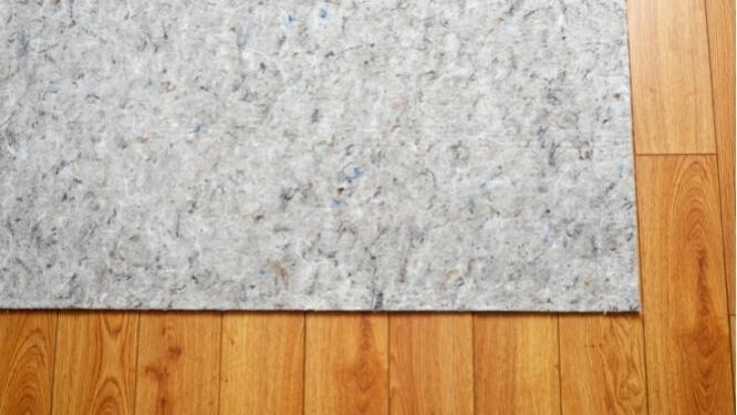 how to clean area rug on hardwood floor